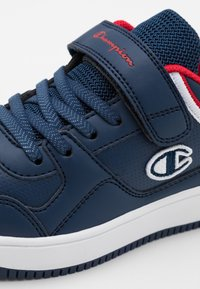 Champion - LOW CUT SHOE REBOUND UNISEX - Basketball shoes - new navy - 5