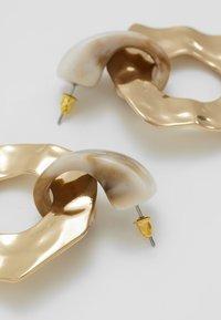 Topshop - HAMMERED CIRCLE DROPS - Oorbellen - gold-coloured - 2
