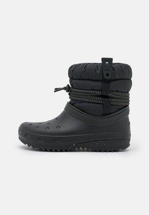 CLASSIC NEO PUFF LUXE - Bottes de neige - black