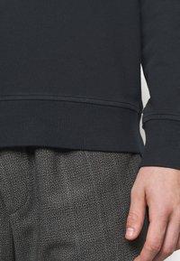 YMC You Must Create - SCHRANK RAGLAN - Sweatshirt - black - 4