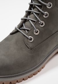 Timberland - ICONIC CLASSICS 6 INCH PREMIUM WP BOOT - Lace-up ankle boots - coal