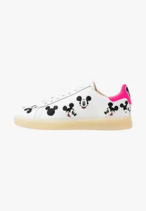 GALLERY WHITE EMBROIDERED MICKEY - Trainers - white