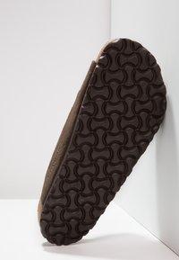 Birkenstock - ARIZONA SOFT FOOTBED - Klapki - mocca - 4