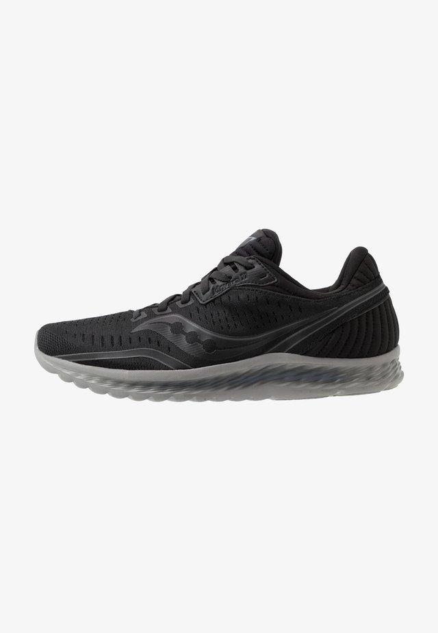 KINVARA 11 - Neutral running shoes - blackout