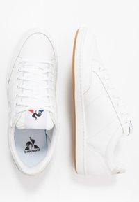 le coq sportif - COURT CLAY BOLD - Zapatillas - optical white - 1