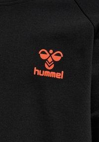 Hummel - HMLACTION - Sweatshirt - black fiesta - 4
