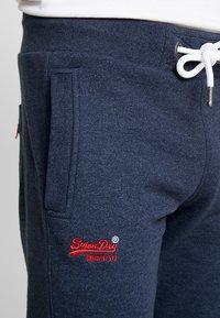 Superdry - ORANGE LABEL CLASSIC - Pantalon de survêtement - midnight blue feeder - 3