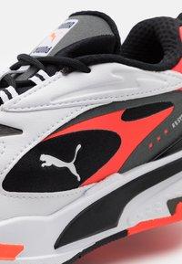 Puma - RS-FAST - Sneakers laag - black/white/red blast - 5