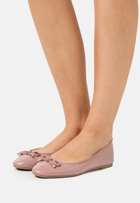 Dorothy Perkins Wide Fit - WIDE FIT BOW - Baleríny - blush - 0