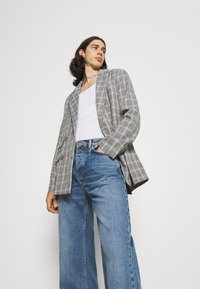 Mennace - BREEZE DOUBLE BREASTED CHECK SUIT JACKET - Blazer jacket - grey - 3