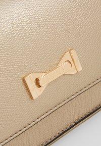 LIU JO - BELT BAG CAMEO - Bum bag - gold - 7
