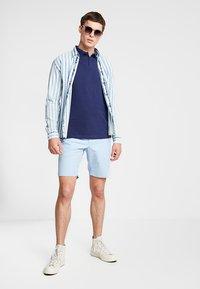 Tommy Hilfiger - BROOKLYN LIGHT BELT - Shorts - blue - 1