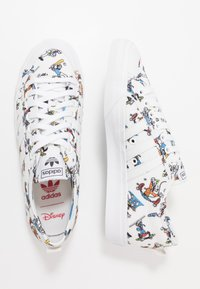 adidas Originals - NIZZA X DISNEY SPORT GOOFY - Sneakers - footwear white/scarlet/core black - 1