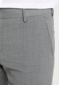 Tommy Hilfiger Tailored - SLIM FIT SUIT - Puku - grey - 8