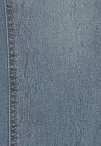 Benetton - TROUSERS - Jeansy Slim Fit - light blue - 4