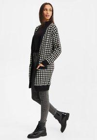 WE Fashion - DAMES PIED DE POULE VEST - Gilet - black - 1