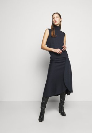 SLEEVELESS NECK MIDI - Strikket kjole - navy