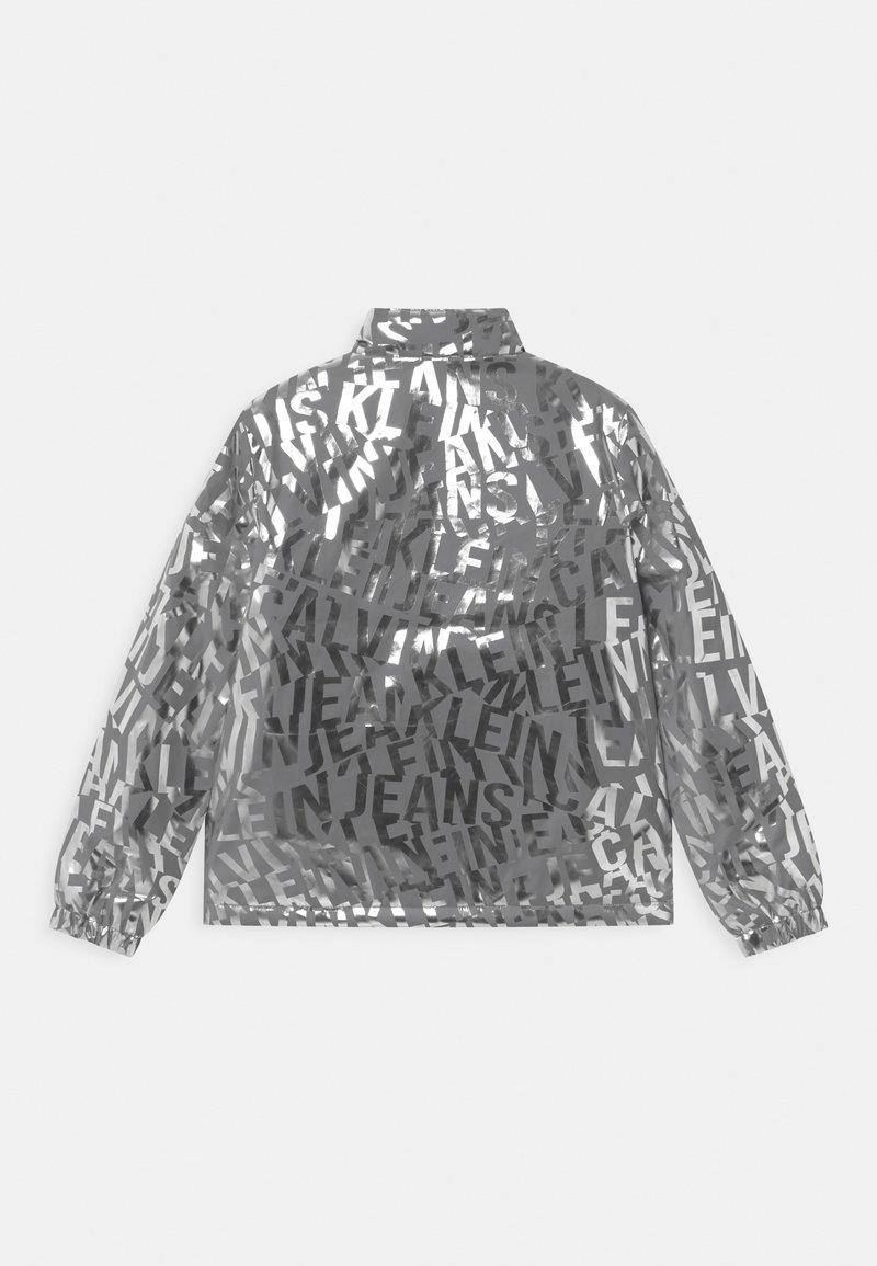 Calvin Klein Jeans Logo Giacca Da Mezza Stagione Silver Argento Zalando It