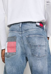 Tommy Jeans - REY RELAXED TAPERED - Jean boyfriend - philly light blue comfort dest - 3