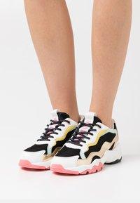 Pepe Jeans - SLOANE CUTE - Sneakers laag - black - 0
