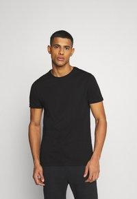YOURTURN - UNISEX SET - Shorts - black - 3