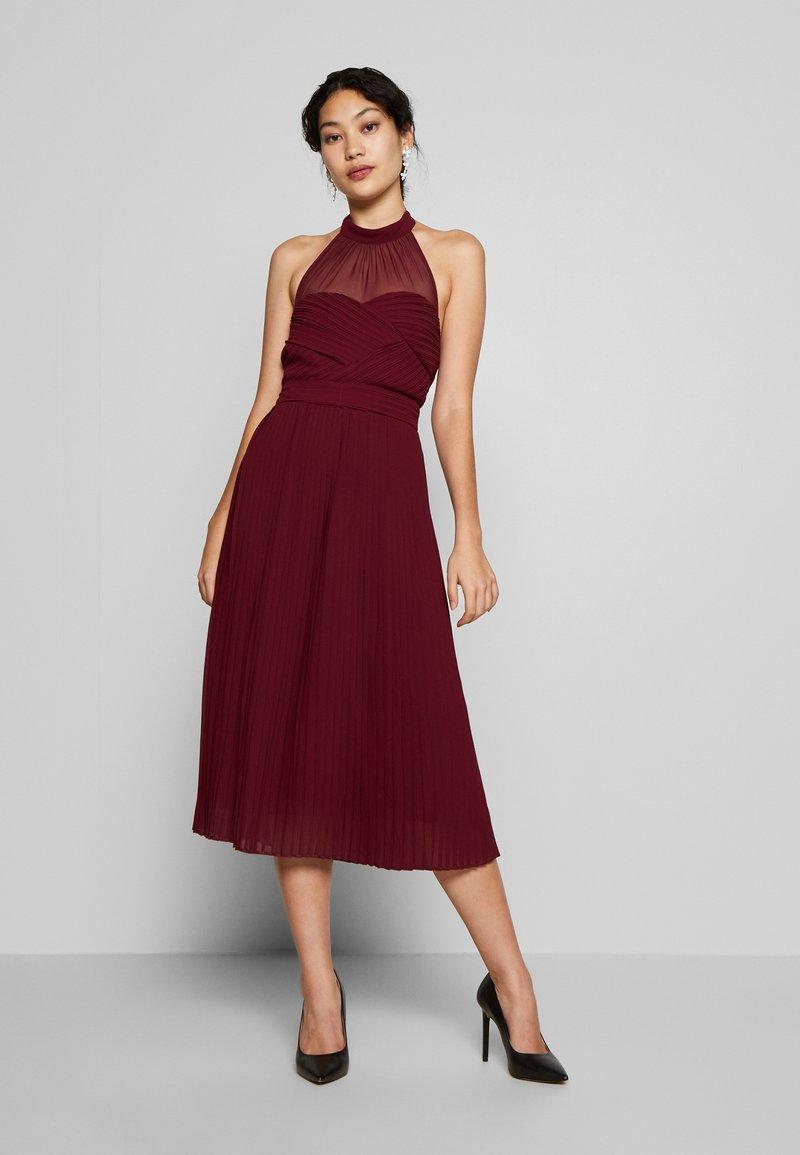 TFNC Tall - SAMANTHA TALL - Vestido de cóctel - burgundy