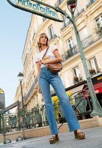 See by Chloé - Mara Crossbody - Across body bag - caramello - 2