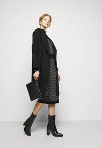MICHAEL Michael Kors - SKIRT - Pencil skirt - black/silver - 1