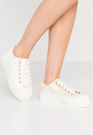 TAMI - Sneakers laag - white