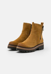 Marco Tozzi by Guido Maria Kretschmer - Platform ankle boots - mustard - 2