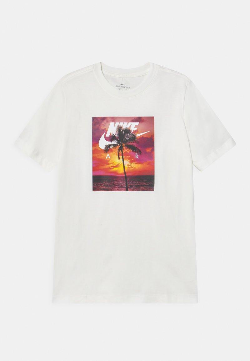 Nike Sportswear - PHOTO PALM - Print T-shirt - white