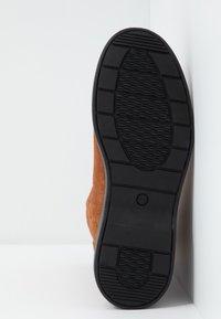 Clarks Unstructured - UN ELDA MID - Støvletter - dark tan - 6