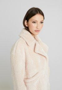 Urban Classics - LADIES OVERSIZE LAPEL JACKET - Light jacket - nude - 3