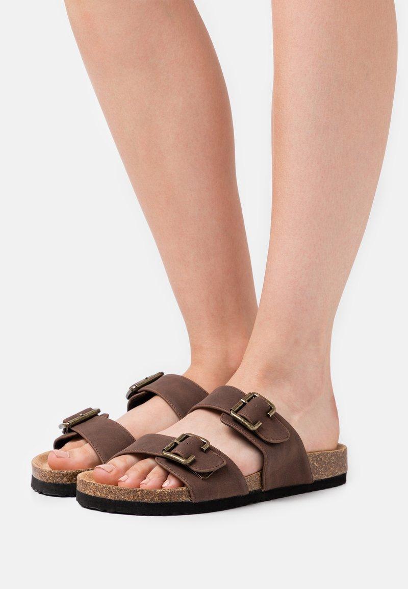 Anna Field - Slippers - dark brown