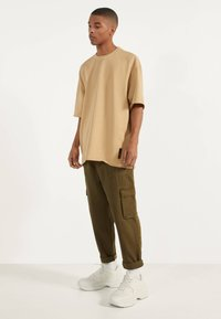 Bershka - Jednoduché triko - beige - 1