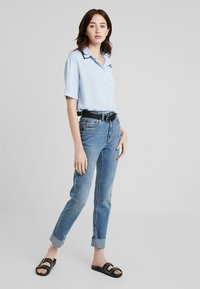 KIOMI TALL - Button-down blouse - kentucky blue - 1