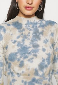 BDG Urban Outfitters - TIE DYE - Jumper - ivory - 5