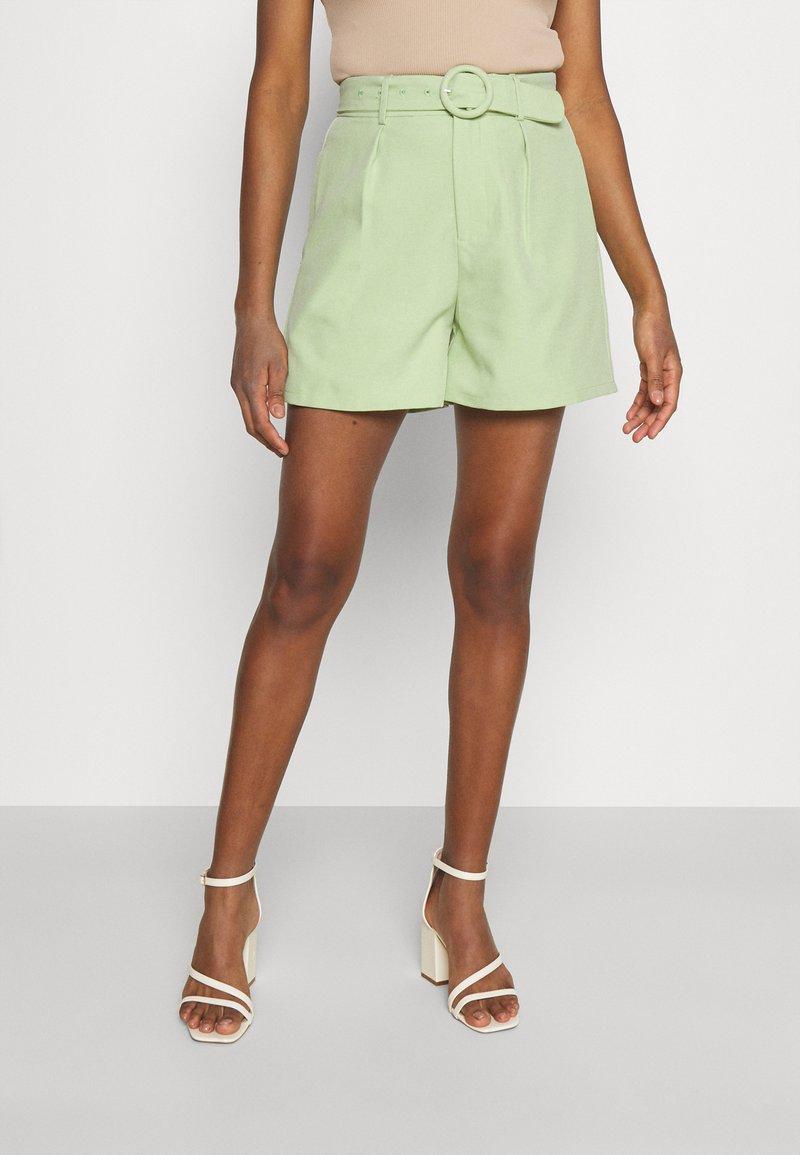 Fashion Union - JESSIE - Shorts - green