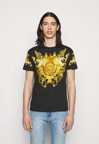 Versace Jeans Couture - GOLD BAROQUE - Print T-shirt - black - 0