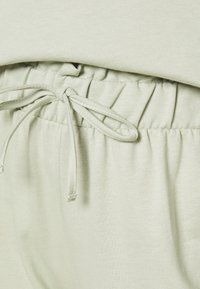 Vero Moda - VMCARMEN PANT - Tracksuit bottoms - desert sage - 5