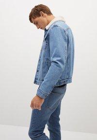 Mango - WASP - Veste en jean - hellblau - 3