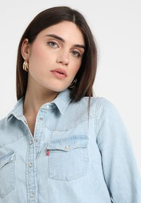 Levi's® - ULTIMATE WESTERN - Button-down blouse - radio starr - 5