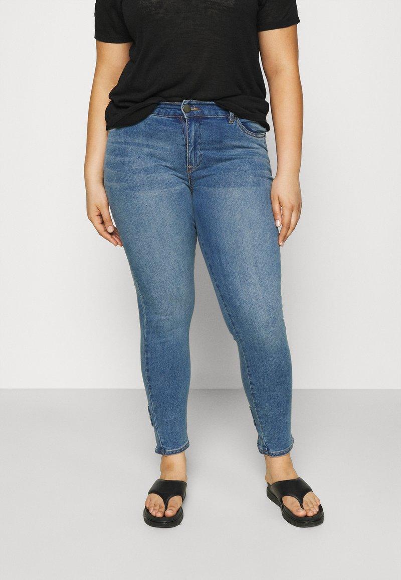 Zizzi - JABIA CROPPED - Jeans Skinny Fit - blue denim