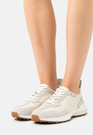 ABRILAKE - Sneakers - light beige/cream