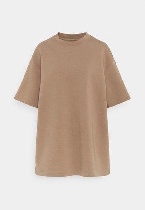 LIONELLE - Basic T-shirt - caribou