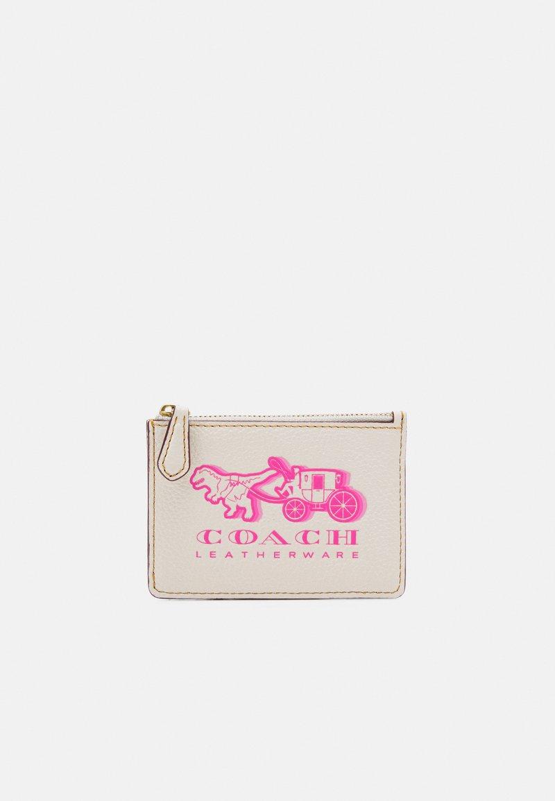 Coach - EXCL REXY AND CARRIAGE MINI ID - Geldbörse - chalk