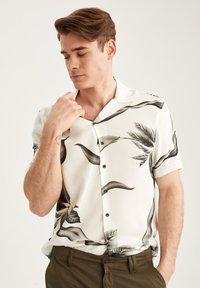 DeFacto - Shirt - white - 4
