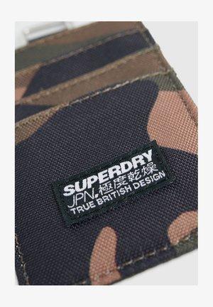 SUPERDRY FABRIC CARD WALLET - Etui na wizytówki - green