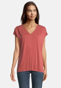 Betty & Co - MIT GUMMIZUG - Basic T-shirt - barn red - 2