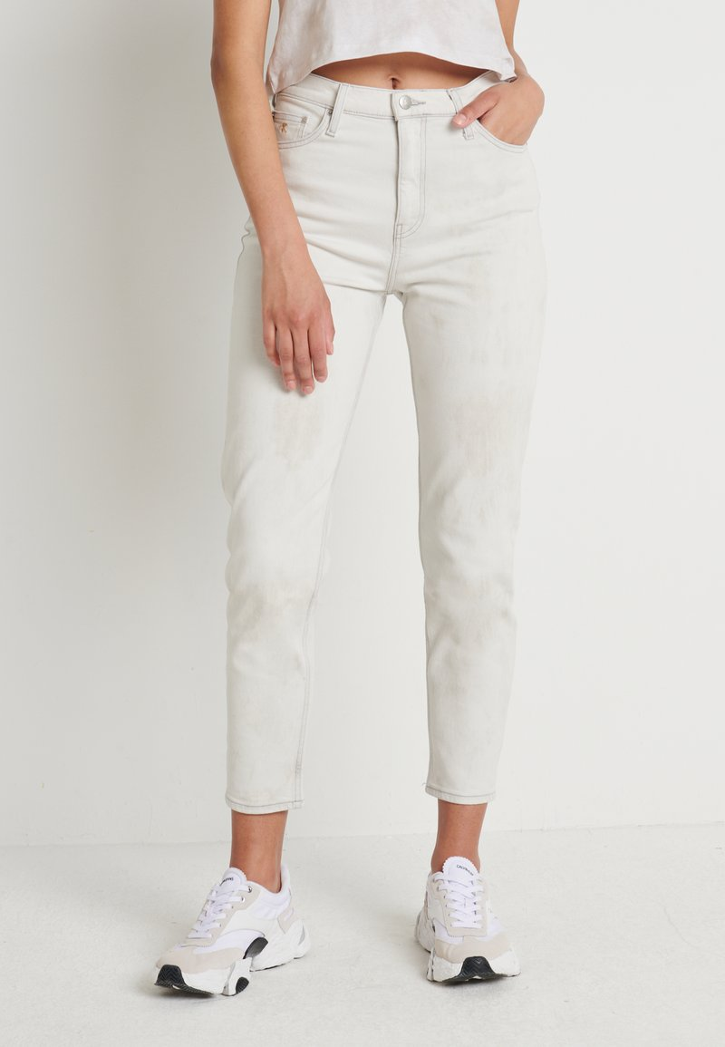 Calvin Klein Jeans - MOM - Jeansy Relaxed Fit - bleach grey